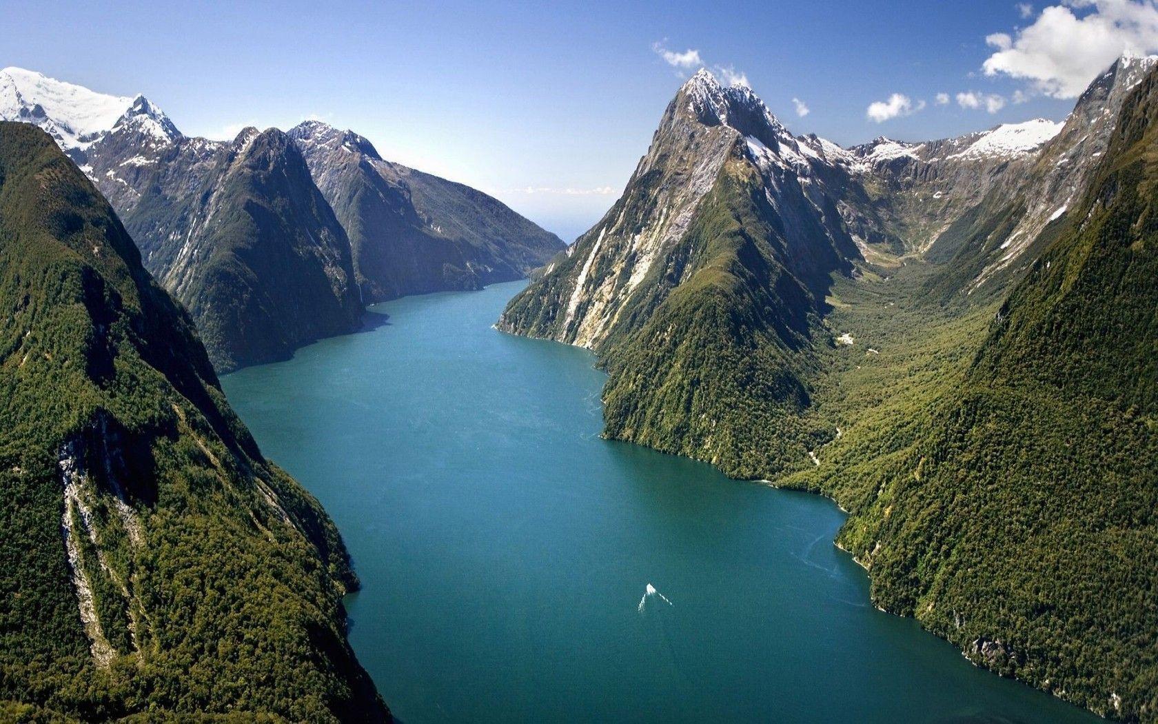 Pelaku Penembakan New Zealand Wallpaper: Milford Sound Wallpapers