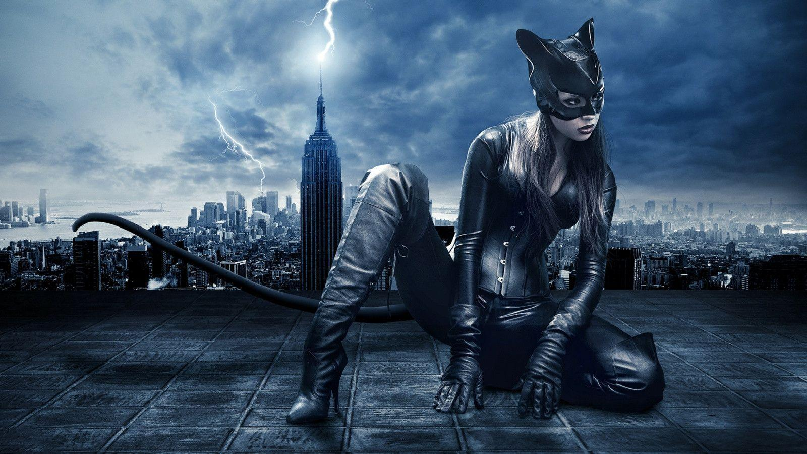 1600x900 Catwoman art Wallpapers