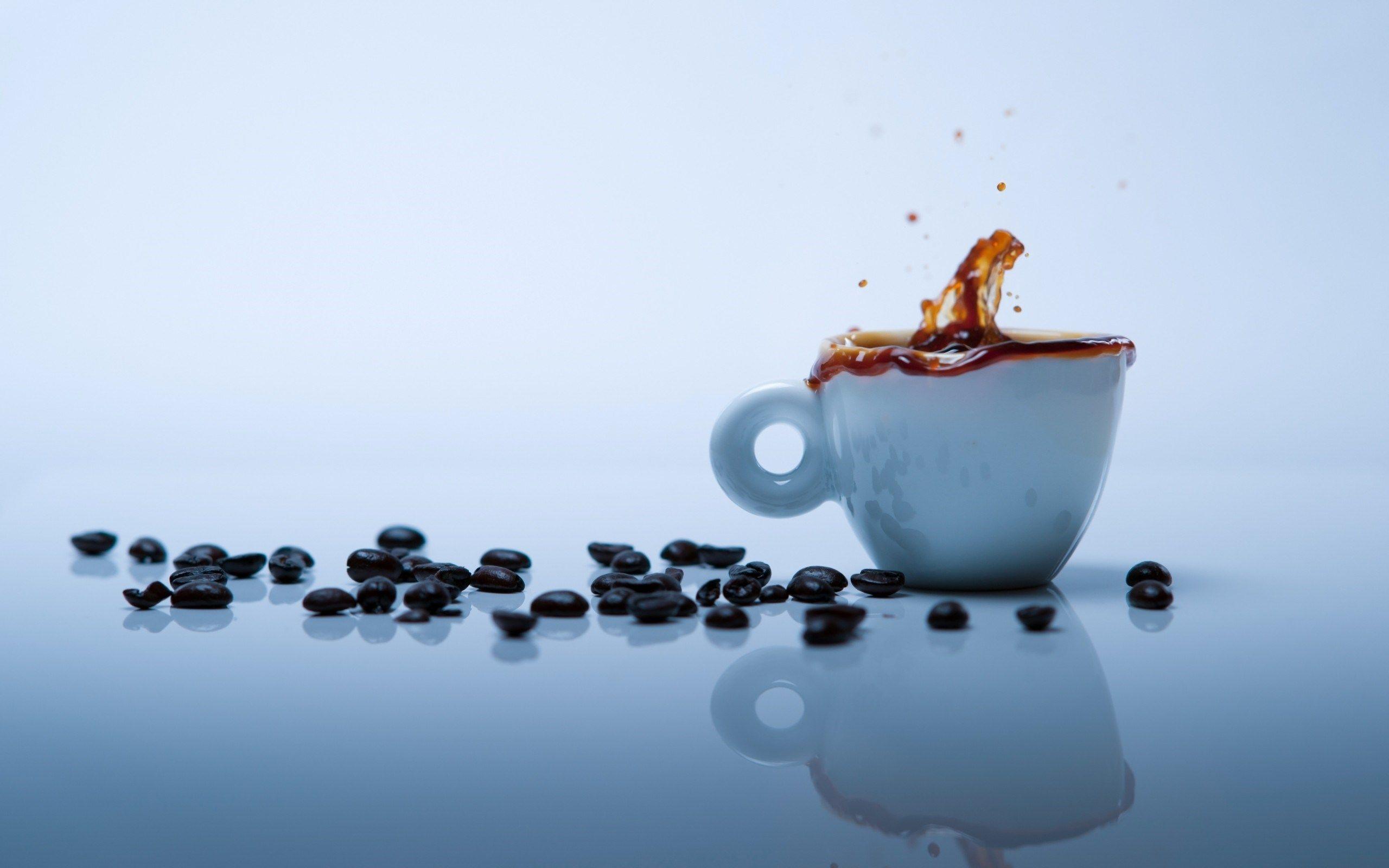 Coffee Cup Beans Splash HD Wallpaper - ZoomWalls