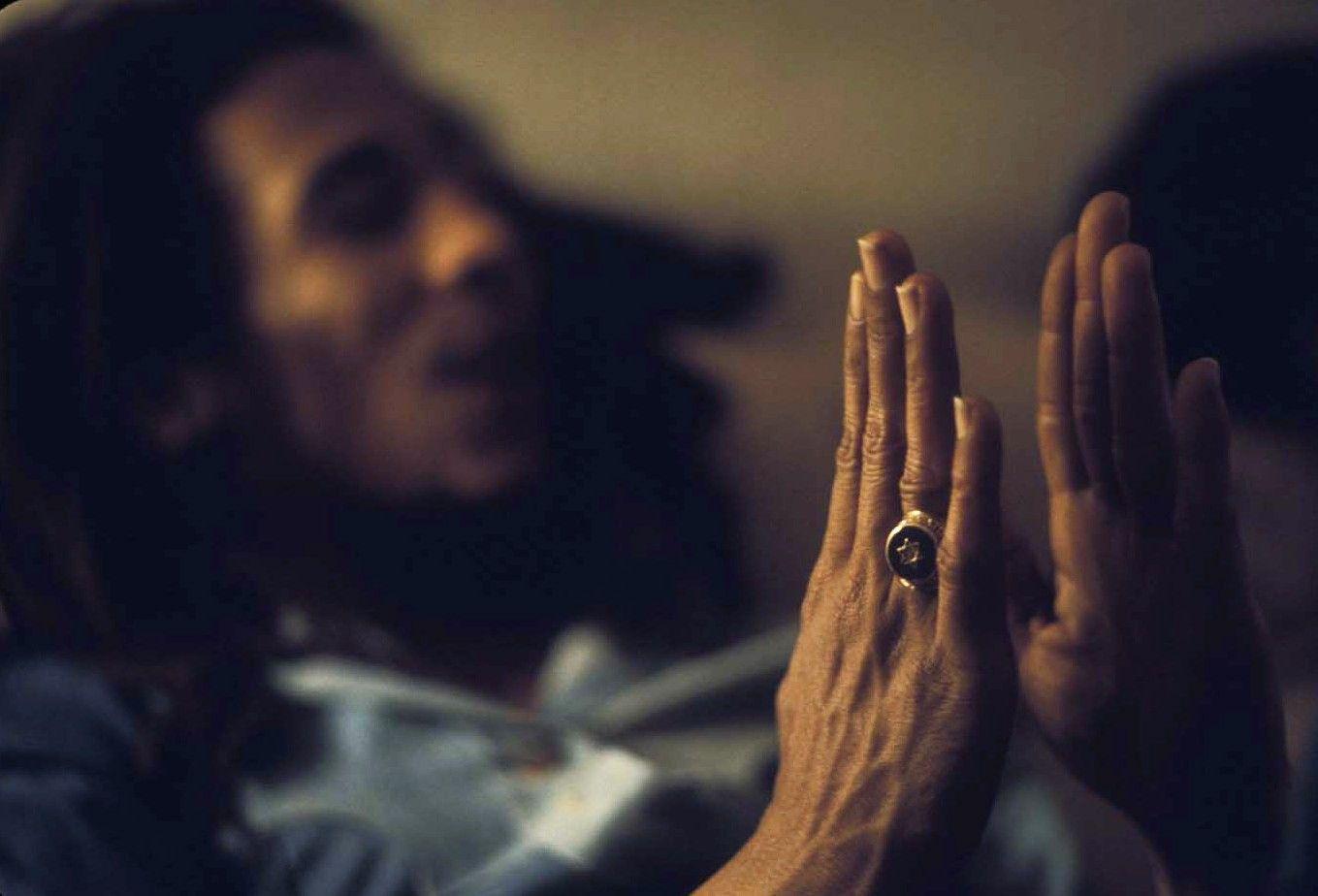 Bob Marley Desktop Bac...