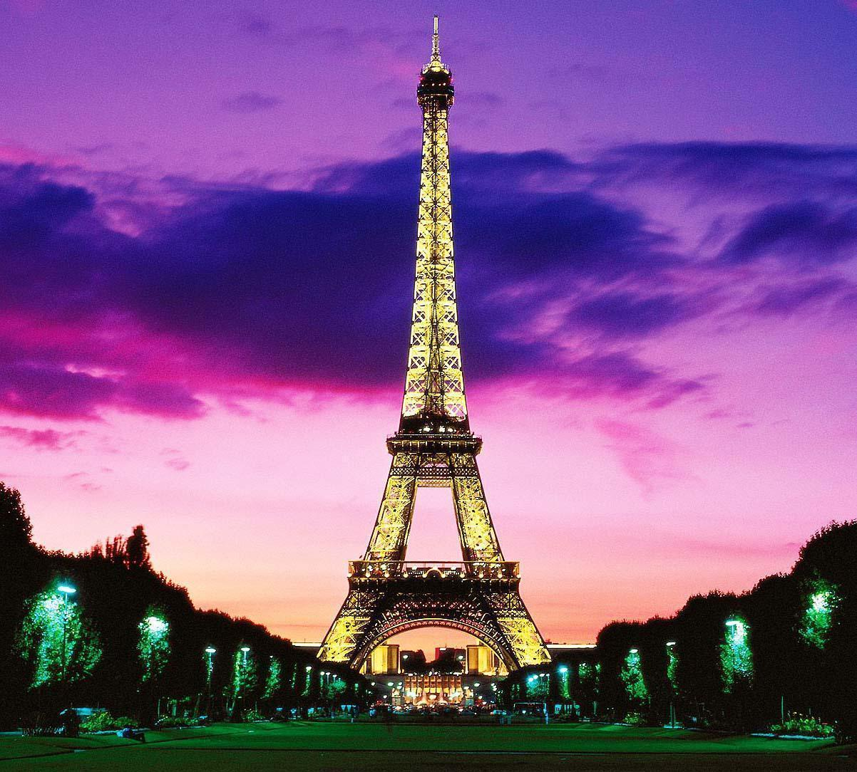 Eiffel tower at night wallpapers wallpaper cave for Torre enfel